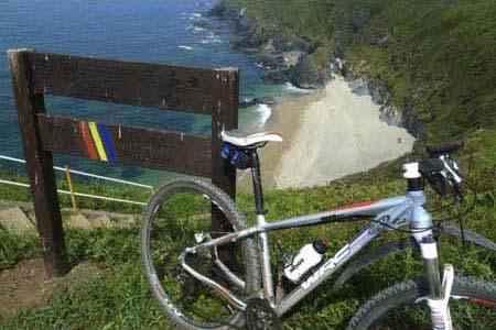 Ruta Btt pasando por la Playa de frexulfe en el Concejo de Navia