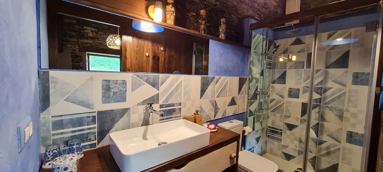 Apartamento De Luxe En Verde con Detalle del Baño