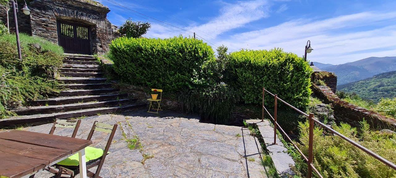 Apartamento Madera con Detalle de la Terraza